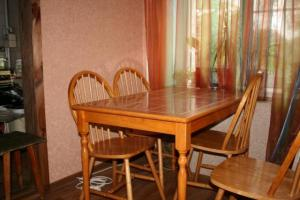 Круглый стол 180×180 из ДСП