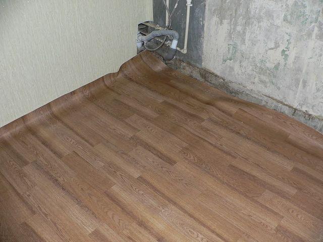 Заделка швов на деревянном полу