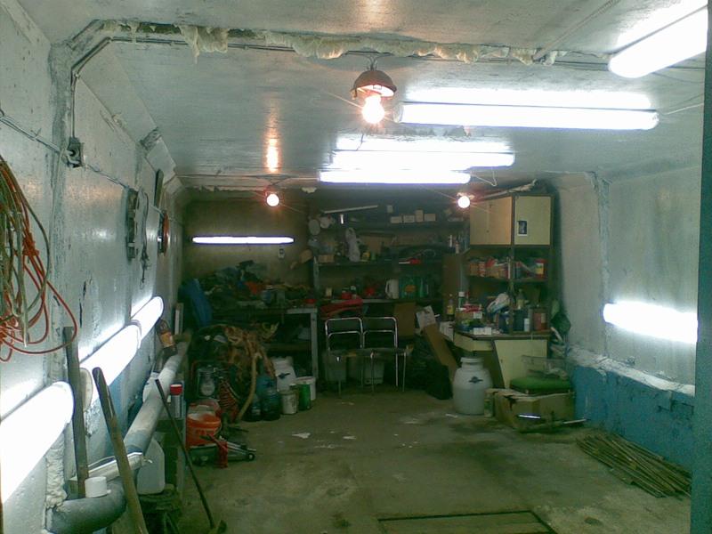 освещение в гараже сделает