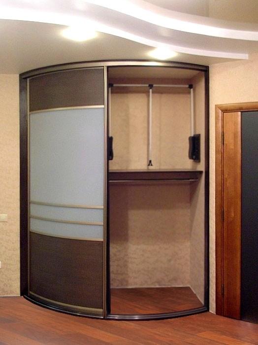 Шкафы купе угловые  изнутри