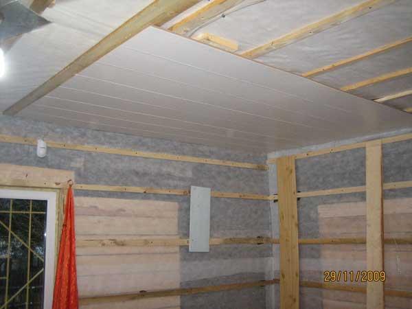 Монтаж пластиковых панелей потолок своими руками
