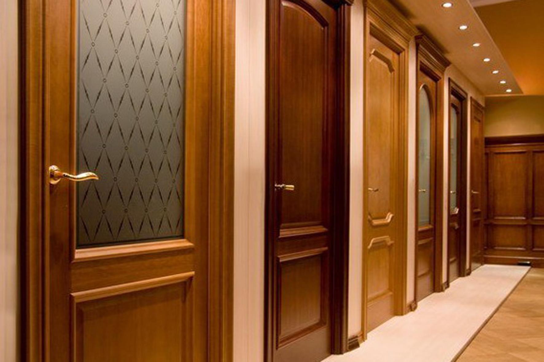 Установка межкомнатных дверей в Санкт-Петербурге